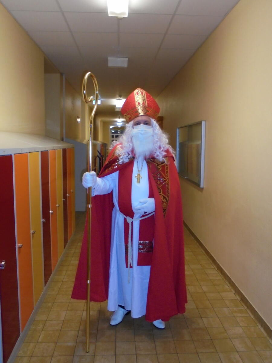 Der Nikolaus ist hier